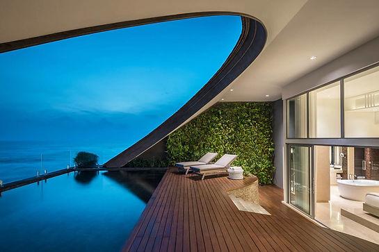 COMO-Uma-Canggu_COMO-Penthouse_Private-pool-deck.jpg