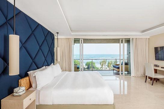 COMO-Uma-Canggu_COMO-Penthouse_Master-bedroom_Lower-level.jpg