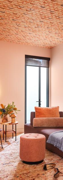 lounge1002.jpg