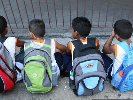 Volta às aulas: mochila deve ter até 10% do peso da criança para evitar problemas na coluna