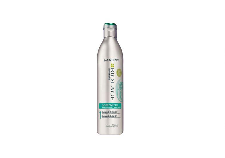 shampoo-com-beneficios_1.jpg
