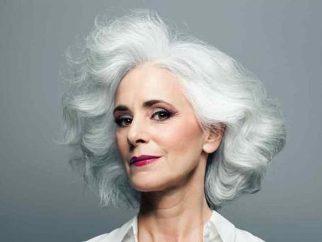 A Revista Veja Saúde destacou sobre os cuidados com os cabelos brancos