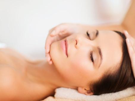 O site Claudia fala da técnica para evitar o envelhecimento da pele