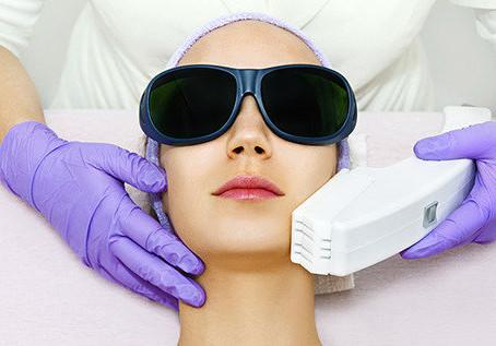 Vantagens e desvantagens da depilação com luz pulsada