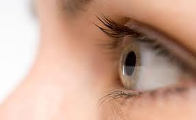 Bem Estar fala sobre cuidados com os olhos durante o Carnaval