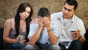 Pais e Mães demoram muito tempo para descobrir seus filhos usam drogas