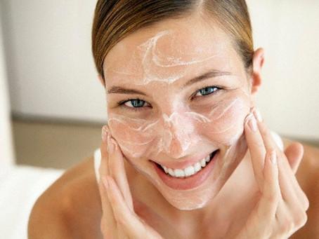 O que é acne cosmética e como tratar?