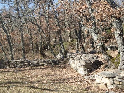 Le chemin des Pierres sèches de Mane à Forcalquier