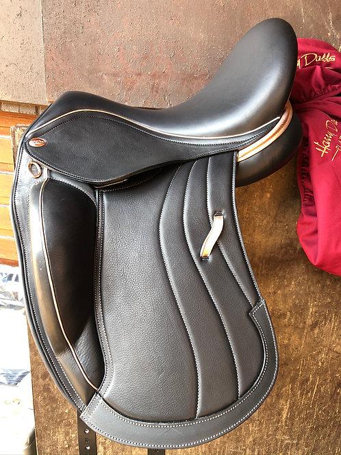 Harry Dabbs Platinum Mariella Consort 'Jeni' Dressage Saddle