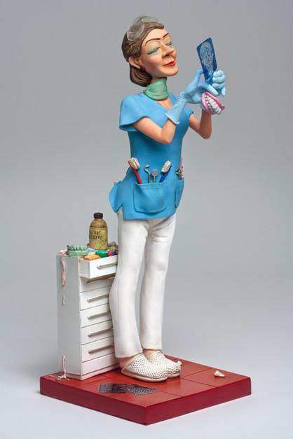 Lady_Dentist_ÔÇó_Madame_Dentiste_1.jpg