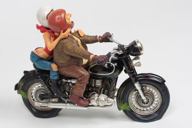 Exciting_Motor_Ride_ÔÇó_Excitant_Tour_en
