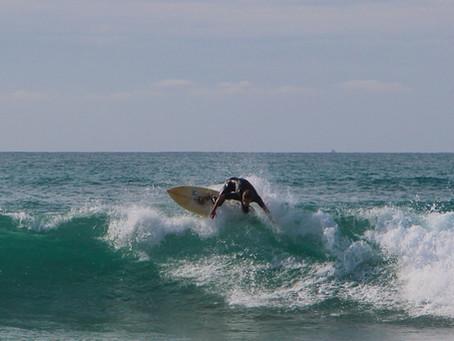 Las mejores playas para hacer surf cerca de Santander