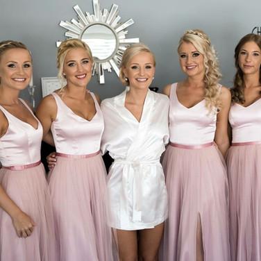 Bride&Bridemaids :)