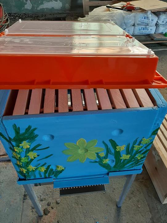 10-frames ceramic beehive