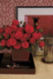 Piano Deluxe Garden Rose arrangement