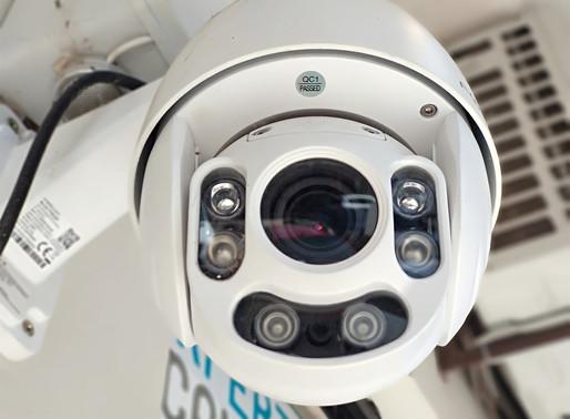 ¿Cámaras que se giran o cámaras fijas?