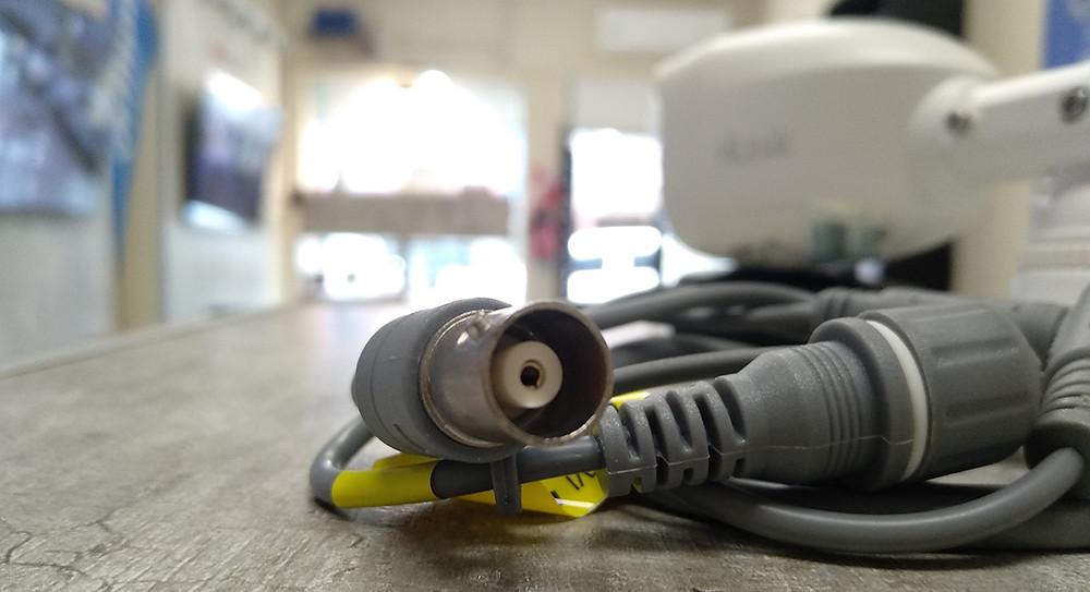 conector de video en camara de seguridad