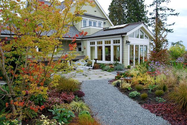 128) 9-30-07 court yard garden.jpg