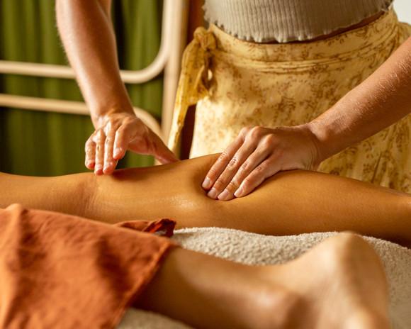 Alice Dennehy Lomi Lomi massage- Gold Coast