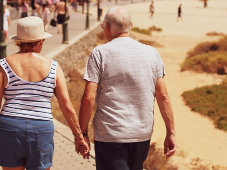 Retirees: How to Live in 2 Countries