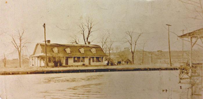 Steuben_House_Across_River_Circa_1925_94