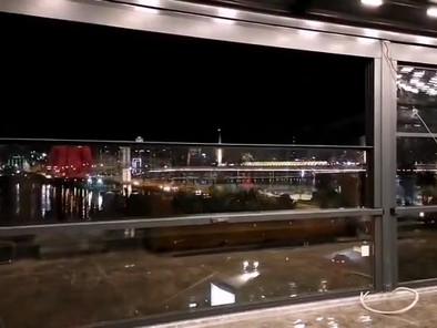 חלונות גליוטינה חשמליים עד רוחב 6 מטר