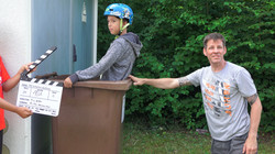 Szenenbild Mülltonnen Stunt