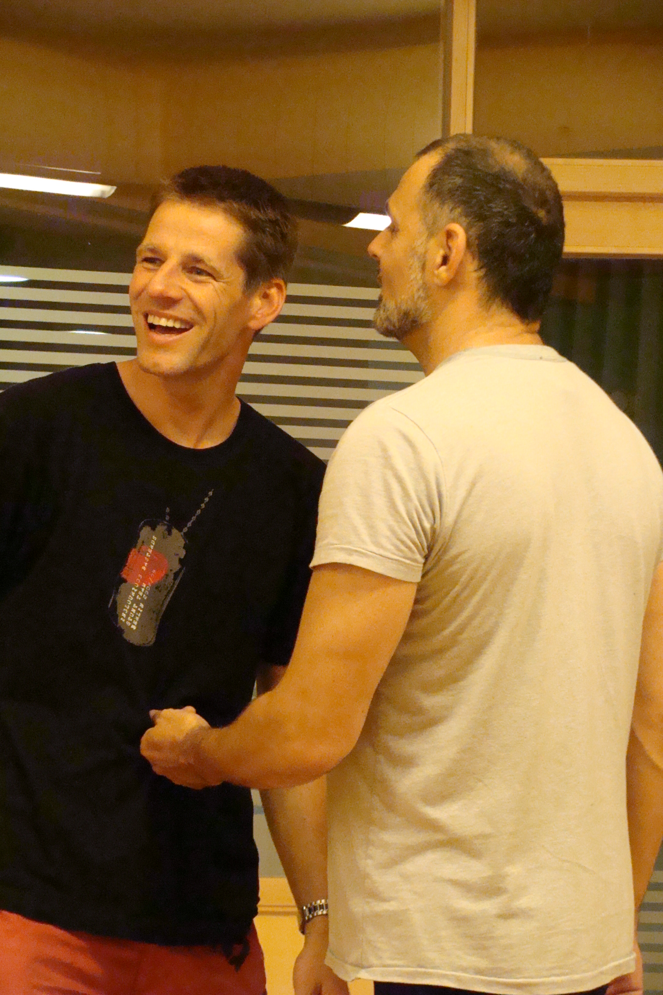 Stuntkoordinator Tim Vetter mit Giovannie Arvaneh