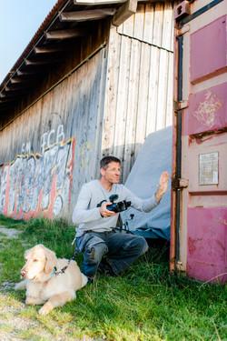 Regisseur Tim Vetter beim Geheimnislüfter Dreh in München