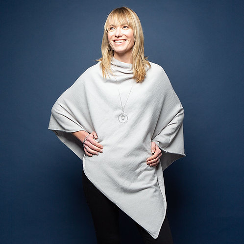 Tilley Poncho in Light Grey