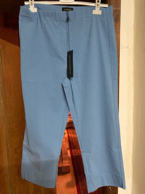 Pomodoro crop trouser in Chambray