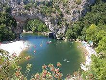 Partez dans les gorges de l'ardèche pour un week end aventure en Canoë !