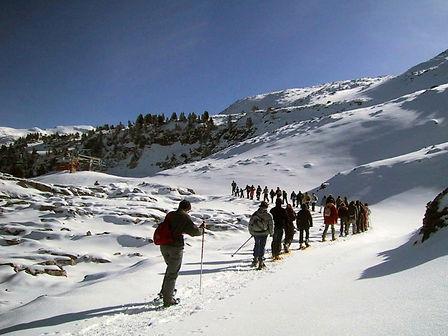 balade raquette organisée par montagne voyages pour les skieurs et non skieurs