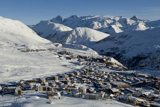 Partez pour un séminaire ou en week end ski d'entreprise à l'Alpe d'Huez avec Montagne voyages