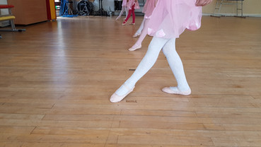 Pointed toes in our Primary Ballet class