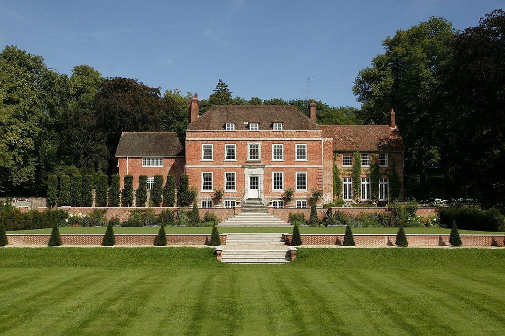 Manor-House-in-Hampshire