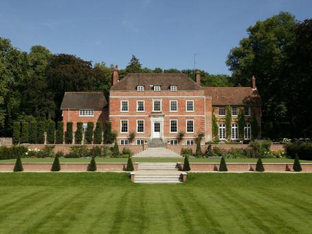 Manor House: эффектная резиденция Хэмпшира с новым ярким интерьером
