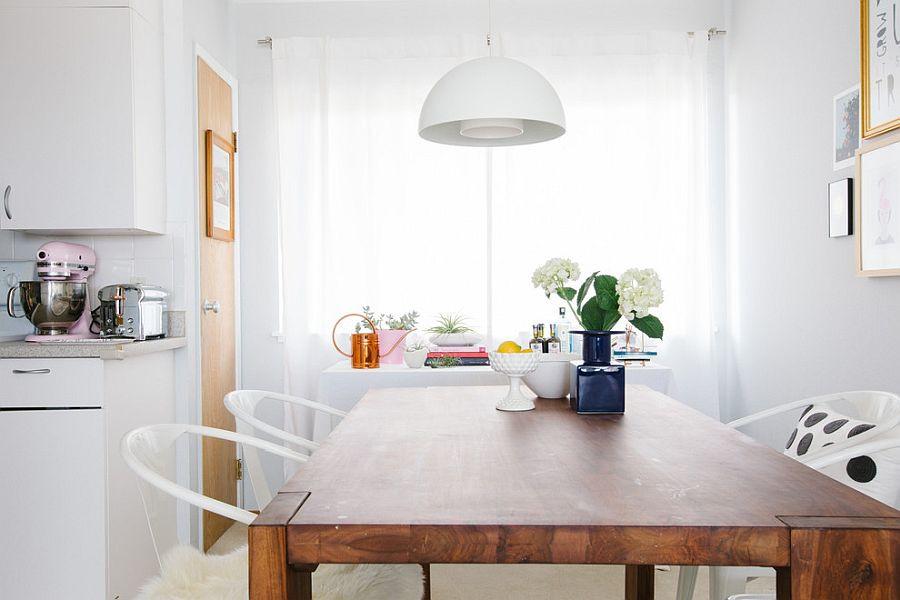 дизайн-столовой-белые-люстры
