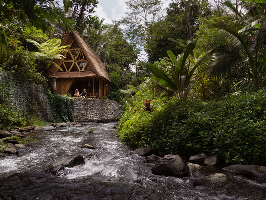 Волшебные ночи в бамбуковом доме из джунглей Бали!