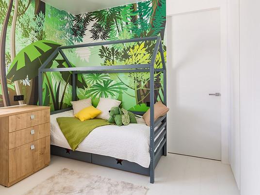 Освежающе модно: как добавить зеленый цвет в детскую спальню