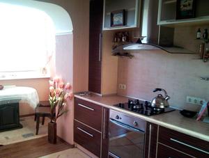 кухня-совмещенная-с-балконом