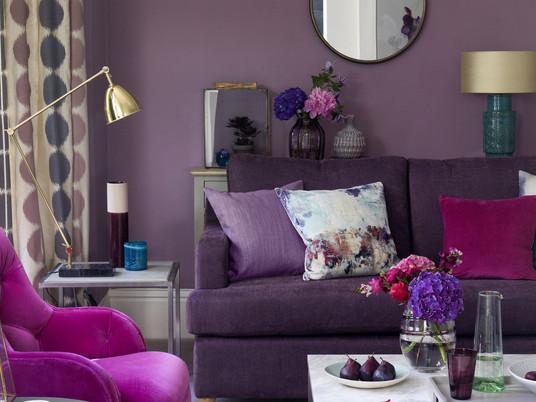 Фиолетовая гостиная, в которой легко жить