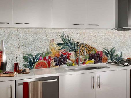 Неповторимые мозаичные фартуки для кухни