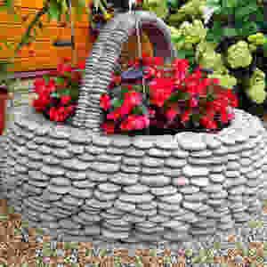 вазы-из гальки-handmade