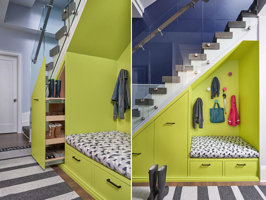 Место под лестницей: инновационные идеи хранения