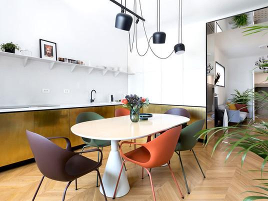 Латунь, терраццо и модные элементы мебели