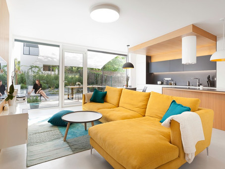 Белый и красочный интерьер от Boq Architekti