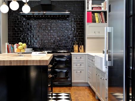 Уникальные идеи для фартука на кухню: черный, зеркальный или с узором