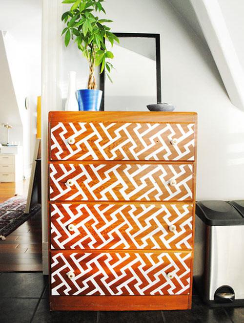 дизайн-интерьера-обновление-мебели-старый-комод-handmade