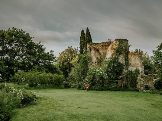Великолепный дикий сад Torrecchia Vecchia